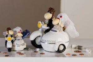 Hochzeit Spardose Motorrad mit Beiwagen, groß - Schafe als Brautpaar Polly + Paul