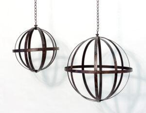 Eisen Kugel aus Blechstreifen zum Aufhängen - Pflanzkugel Ø 25 cm mit MetallketteMetallkugel - Gartenkugel - Gartendeko Metall - Eisenkugel