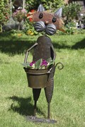 Blumentopfhalter mit Metallübertopf Katze Käthe - stehend