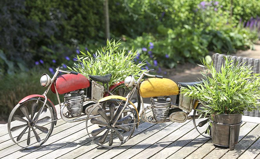 blumentopfhalter motorrad garten deko mit pflanztopf aus. Black Bedroom Furniture Sets. Home Design Ideas