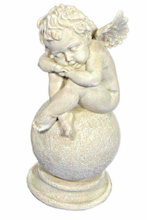 Schlafender Engel auf Kugel sitzend, Engel Skulptur 25cm, Engelsfigur antikweiß