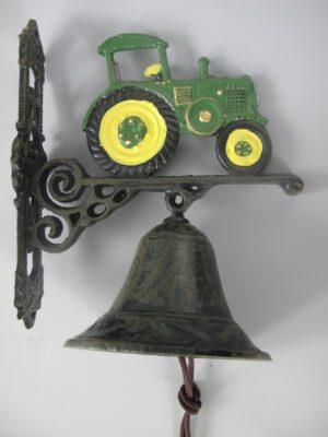 Wandglocke Trecker - Türglocke Traktor - Schlepper aus Gusseisen, grün