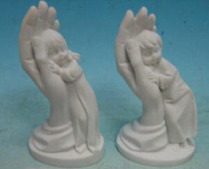 Schützende Hand mit Kind - kleine Skulptur aus Polyresin - Geburt - Taufe - Kommunion - Konfirmation - Firmung 2730