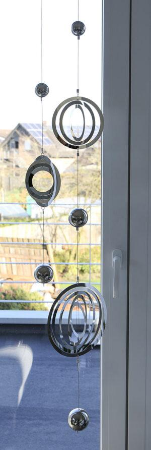 Mobile Girlande BALLS, Edelstahl mit einem 3D Element gelasert - Fensterdeko - Hängedeko 95 cm
