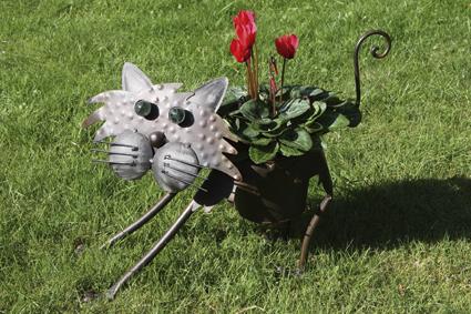 Katze Blumentopfhalter mit Metallübertopf - laufend mit Wackelhals