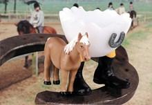 Original Speedy & Friends Eierbecher mit Reistiefel, Pferd/Pony/Hufeisen Reiter Eierbecher Pferd - Hotti, der Pferdefreund