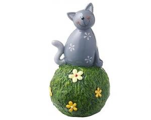 Mila Kater Carlo, grau - Spardose Katze auf Graskugel - Dekofigur aus Resin