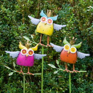Gartenstecker Crazy Owl - Wackeleule auf Stab - Bunte Eule mit Krone - Königseule in Antikfinish - König Eule