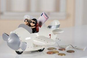 Spardose Flugzeug Hochzeit - Brautpaar im Flieger - Hochzeitsflieger Reise Urlaub Flitterwochen