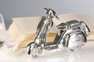 Design Skulptur Vespa - Deko Roller Mofa Moped antik silber
