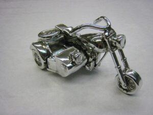 Deko Skulptur Motorrad mit Beiwagen - in Silberoptik