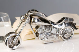 Deko Skulptur Chopper - Motorrad - in Silberoptik 59736