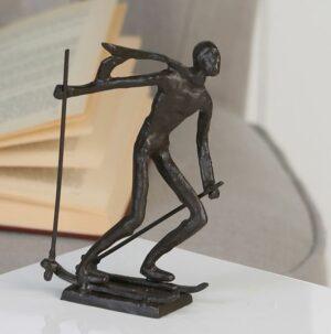 Skifahrer Skulptur