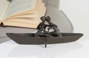 Bootstour - Liebespaar Design Skulptur aus Eisen - brüniert - wetterfest - bruchfest