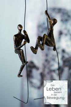 Kletter Skulptur Scramble - Figuren am Seil kletternd - Bronzeoptik 2er Set mit Zitatanhänger - Wanddeko oder Hängedeko
