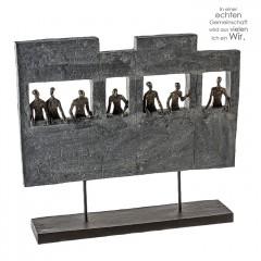 Skulptur Skyline - Poly bronzefarbene Figuren, graue Skyline auf schwarzer Basis