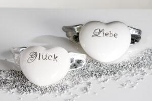 """96379 Porzellan Flügel Herz mit Schriftzug """"Liebe"""" oder """"Glück"""""""