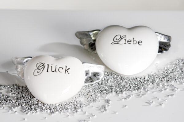 """Porzellan Flügel Herz mit Schriftzug """"Liebe"""" oder """"Glück"""""""