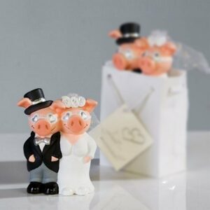 Hochzeitpaar in Geschenktüte - Glücksschweine als Brautpaar für Geldgeschenk