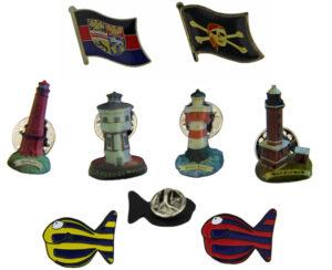 Anstecker Pin Fisch, Flaggen und Leuchturm Pins