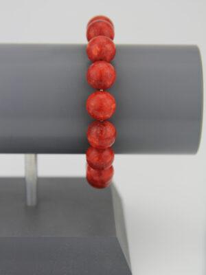 Armband mit roten Kugeln