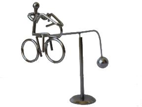 Balance Spiel Biker – Fahrradfahrer – Stresskiller Schreibtisch Deko aus Metall