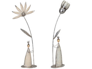 Blumenkönigin Skulptur aus Metall
