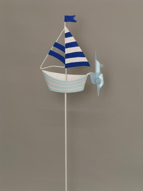 segelboot mit windrad am stab gartenstecker segelschiff. Black Bedroom Furniture Sets. Home Design Ideas