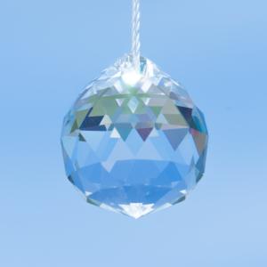Regenbogenkristall Kristallkugel FACETT mit Loch