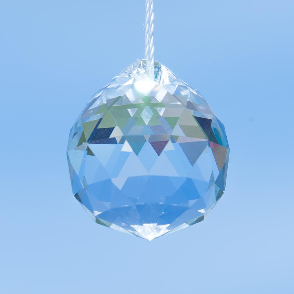regenbogenkristall kristallkugel facett transparent traumflug online. Black Bedroom Furniture Sets. Home Design Ideas