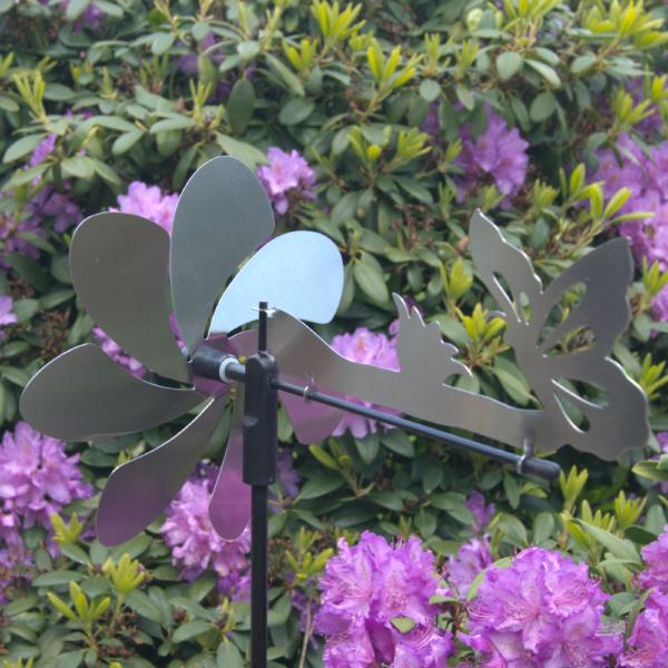 Silhouette Schmetterling Edelstahl Windspiel - Motiv Windrad mit Ruder - Made in GermanySilhouette Schmetterling Edelstahl Windspiel - Motiv Windrad mit Ruder - Made in Germany