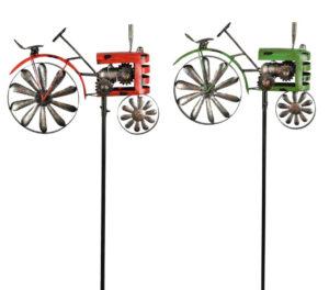 Eisen Gartenstecker Traktor Windspiel Metall Trecker am Stab, bewegliches Hinterrad als Windrad grün oder rot