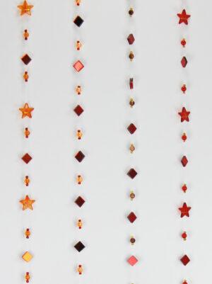 Fensterkette rot orange - 1 m - Rauten Fensterdeko mit oder ohne Sterne zoom
