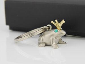 Froschkönig Schlüsselanhänger Frosch mit Krone matt
