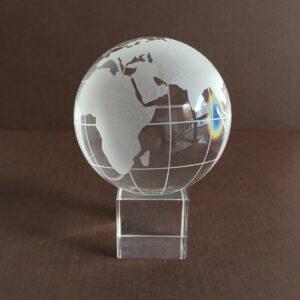 Glaskugel Globus - Weltkugel mit Glassockel - Paperweight Briefbeschwerer