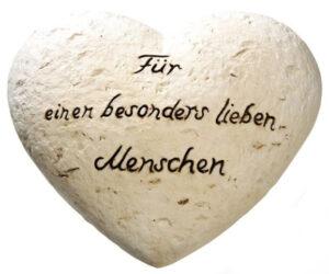 """Keramikherz der Zuneigung mit Schriftzug """"Für einen besonders lieben Menschen"""""""