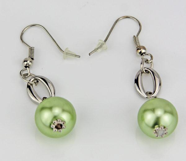 Große Kunststoff Perlen Ohrhänger - grün, perle