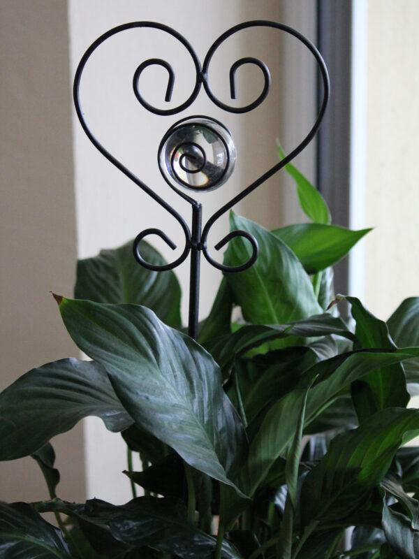 Herz Gartenstecker mit Glaskugel – Beetstecker Herz am Stab