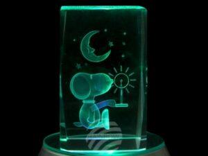 3D Kristallquader Hund mit Mond - Laser Kristallquader Glasblock Snoopy Nachtlicht