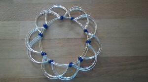 Mandala Spiel Ball 15,5 cm Drahtgeflecht Magischer Kreis Geschicklichkeitsspiel -Tibetisches Fingerspiel - Meditationshilfe - Lotus Flower