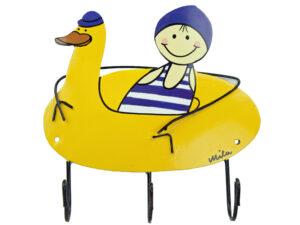 Mila Junge im Schwimmreifen liegend mit Flossen – Mila 3er Haken – Garderobe – Wandhaken