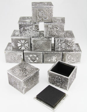 Orientalische Schmuckdose silber - Quadratische Dose Antike Optik Zahndose
