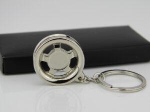 Schlüsselanhänger Felge robust und kleiner Schlüsselanhänger im Geschenkkarton