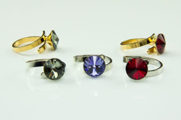 Ring mit Swarovski Rivolikristall - rhodiniert oder vergoldet