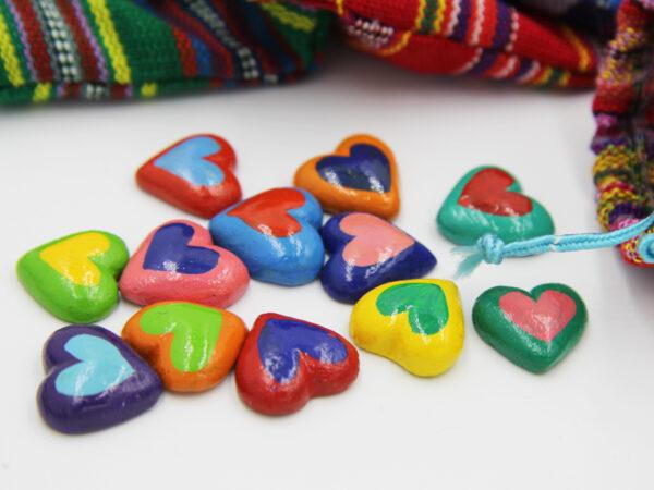 bunte Herzen im Beutel - 12 Freundschaftsherzen - Holz Herzen Streudeko-herzansicht