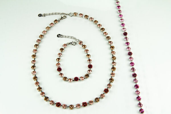 Set Halskette und Armband mit Swarovski Kristallen – Rosen, rhodiniert